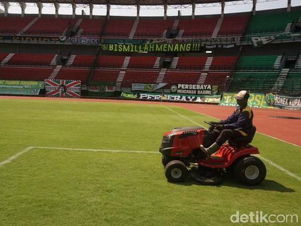 Stadion Gelora Bung Tomo Dibenahi Jelang Laga Persebaya vs Arema