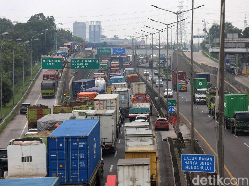 Penjelasan Jasa Marga soal Macet Parah di Tol Jakarta-Cikampek Pagi Tadi