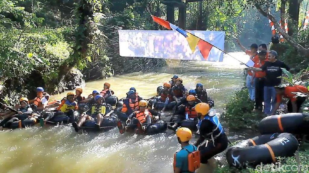 Foto: Balapan River Tubing yang Seru di Wonosobo