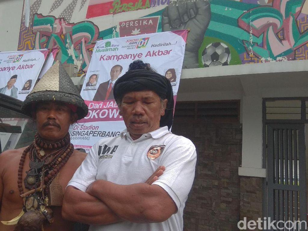 Cegah Massa Masuk Angin, Pawang Hujan Beraksi di Kampanye Jokowi
