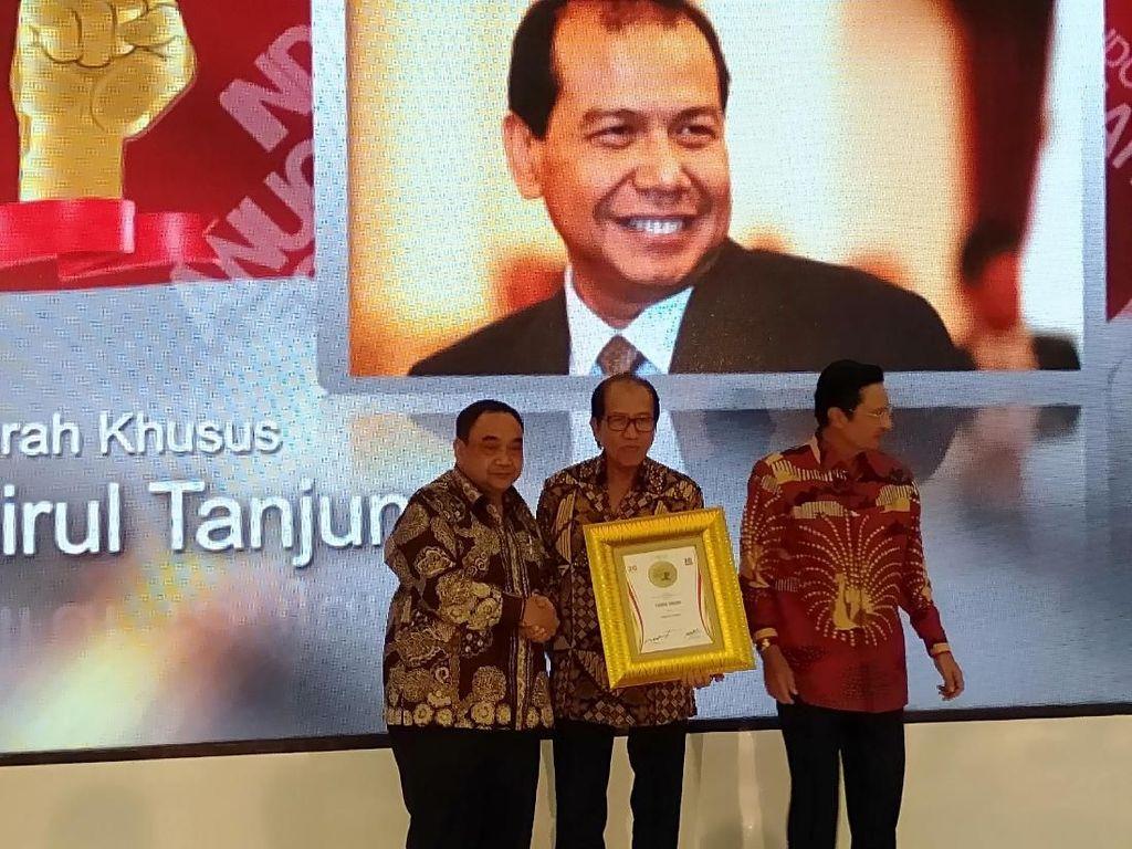 Dinilai Majukan Indonesia, CT Diganjar Penghargaan Tokoh Pers Visioner