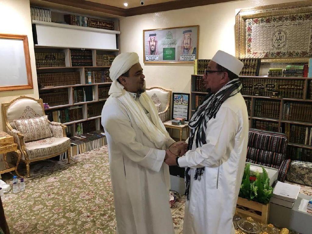 Terima Elite PKS di Mekah, Habib Rizieq Singgung Partai Islam yang Khianat