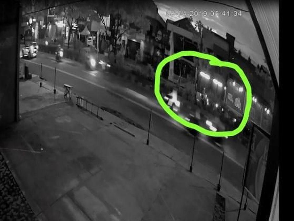 Detik-detik Kecelakaan Maut Perempuan di Jalan Margonda Terekam CCTV