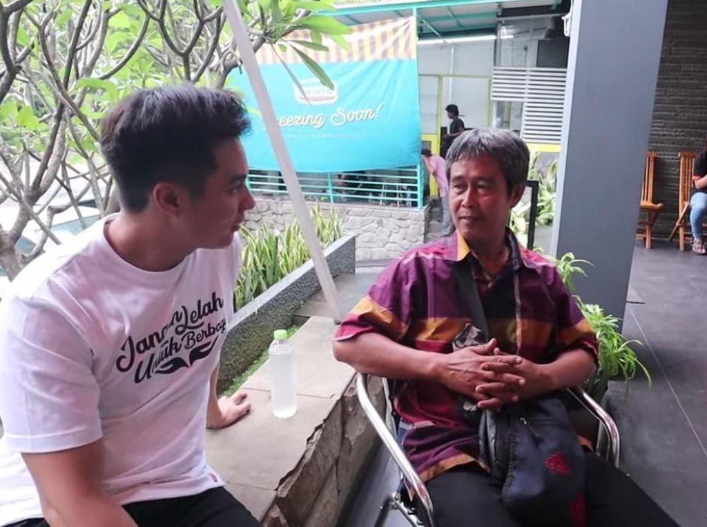 Mantul! Baim Wong Kuliahkan Anak Pedagang Kopi
