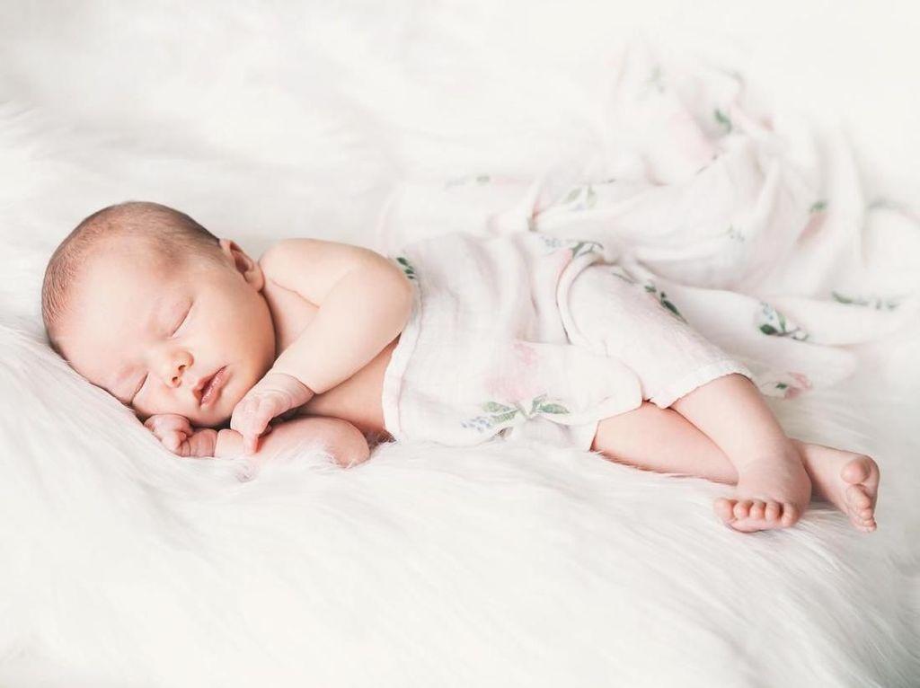 20 Nama Bayi Bermakna Pertama Selain Eka