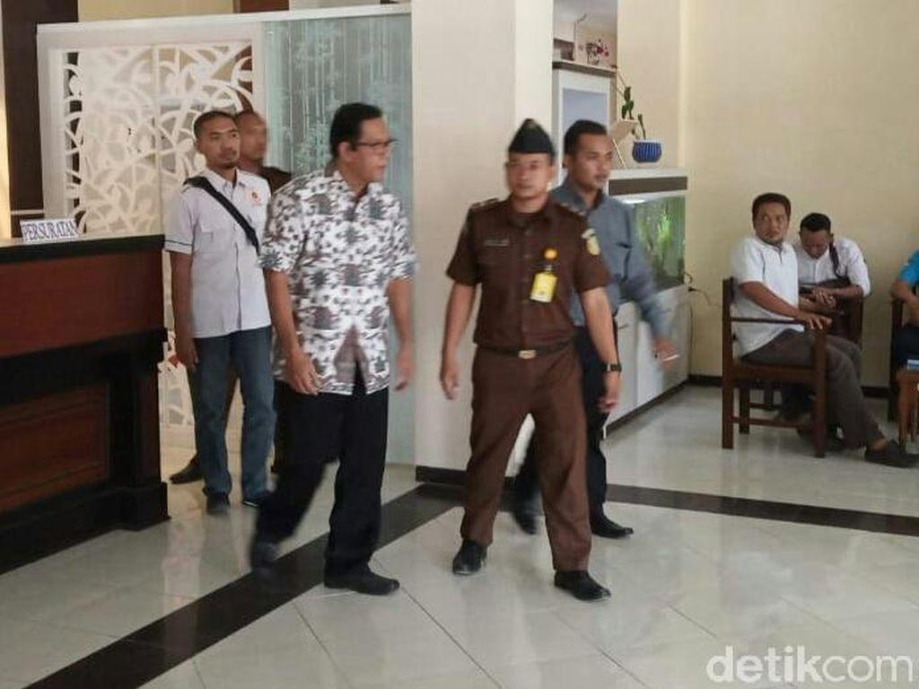 Kejaksaan Tahan Kepala SMPN 2 Tulungagung Terkait Kasus Pungli