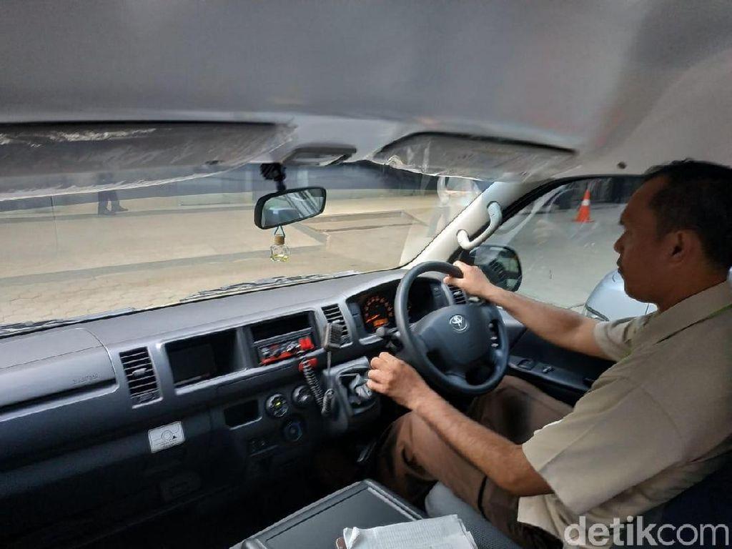 Sopir Ambulans Tak Hanya Jago Nyetir, tapi Harus Pandai Bersimpati