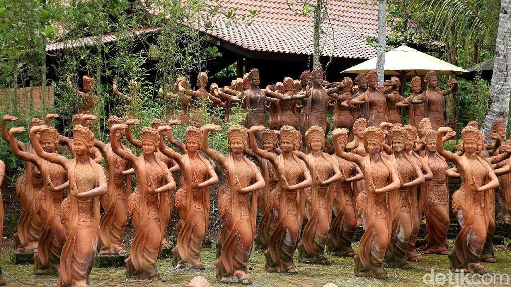 Foto: Bukan Desa Penari, Ini Taman 1.000 Patung Penari