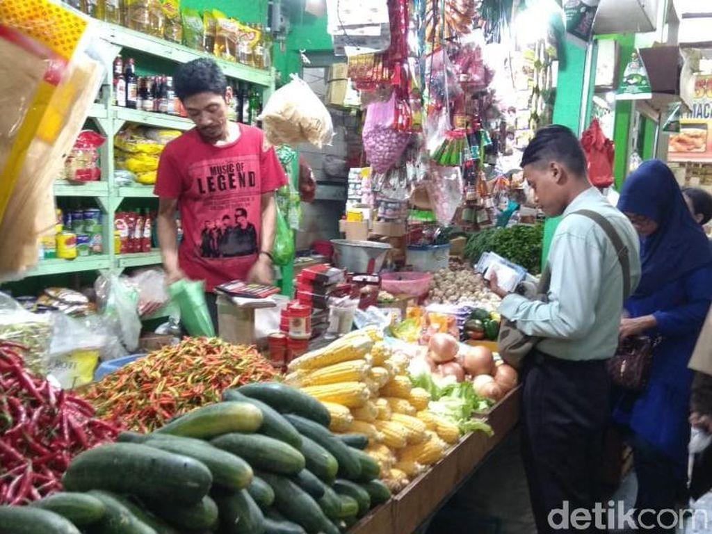 Naik Turunnya Harga Sembako di Pasar Lamongan
