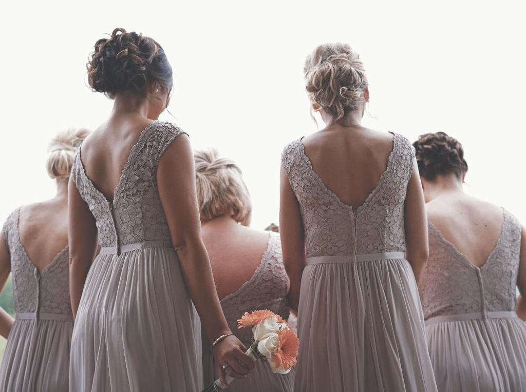 Viral Curhat Wanita Diminta Pengantin Bayar Gaun Bridesmaid Sendiri Rp 6 Juta