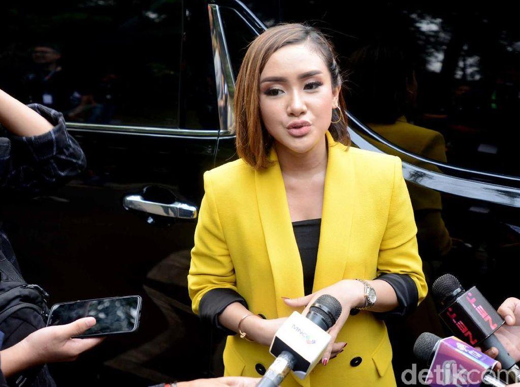 Ditawar Kencan Kok Bangga, Ledekan Cita Citata ke Olivia Noor
