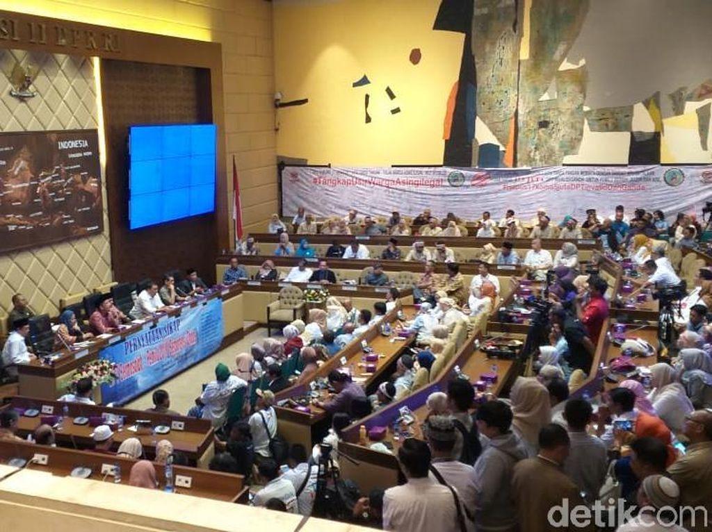 Diskusi soal DPT Bermasalah di DPR, Amien Rais: Memang Ada Genderuwonya