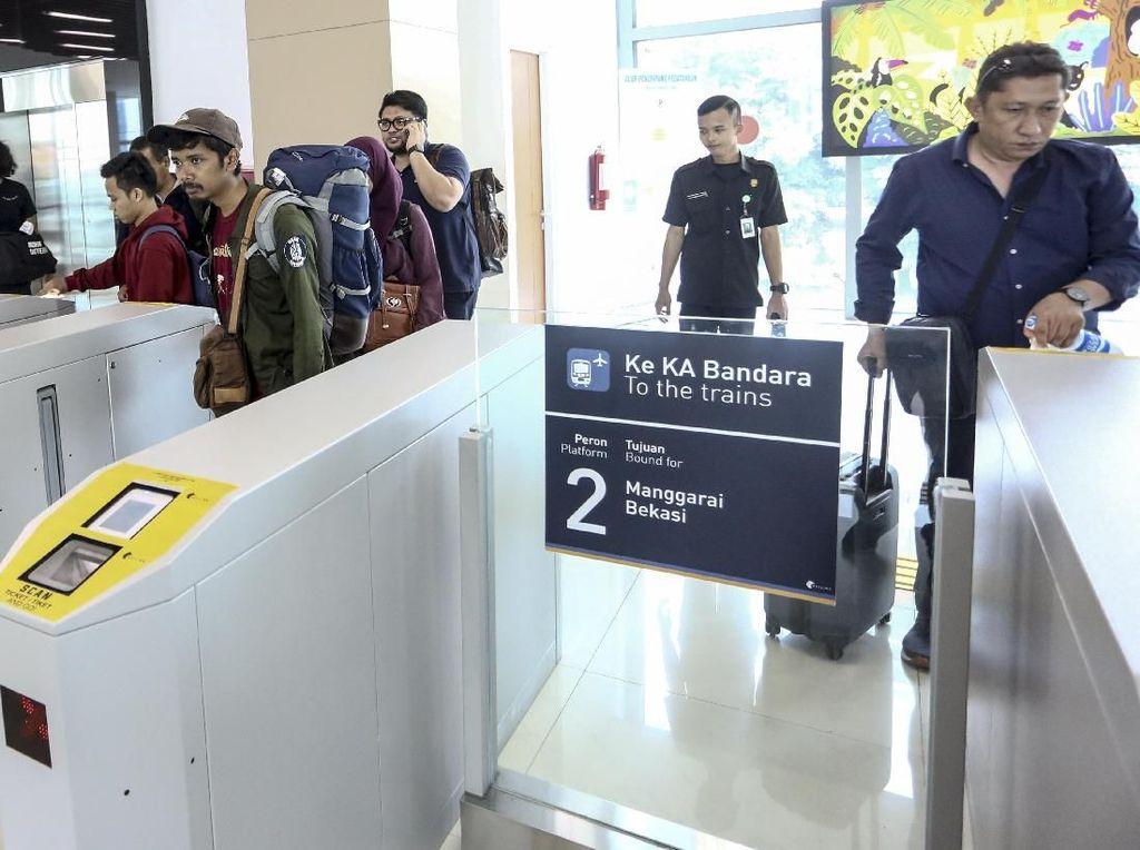 Sejak MRT Beroperasi, Penumpang KA Bandara Terus Meningkat