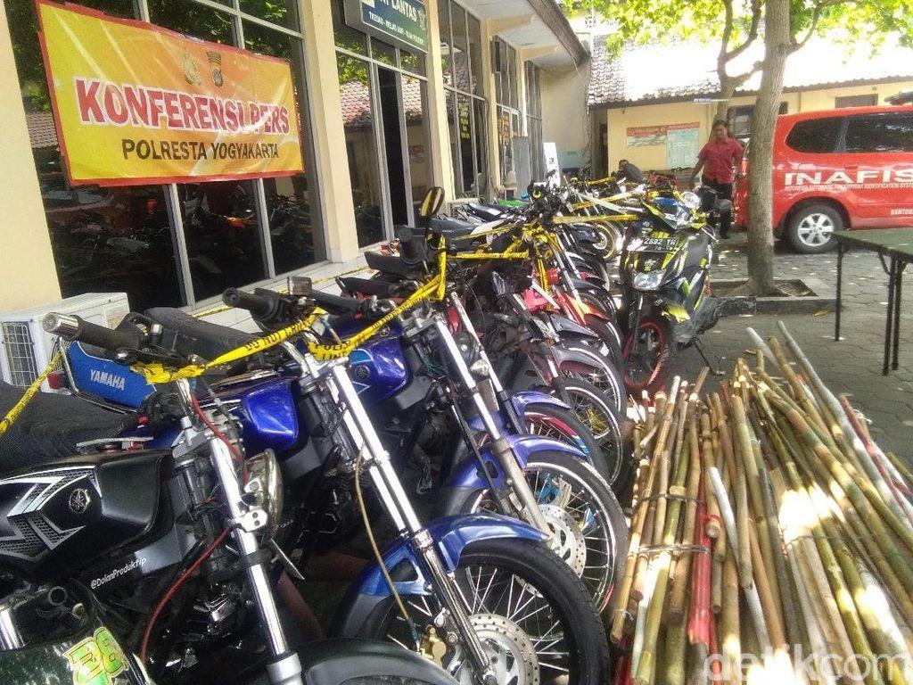Polisi Yogya Sita Puluhan Motor Blombongan Massa Pro Jokowi dan Prabowo