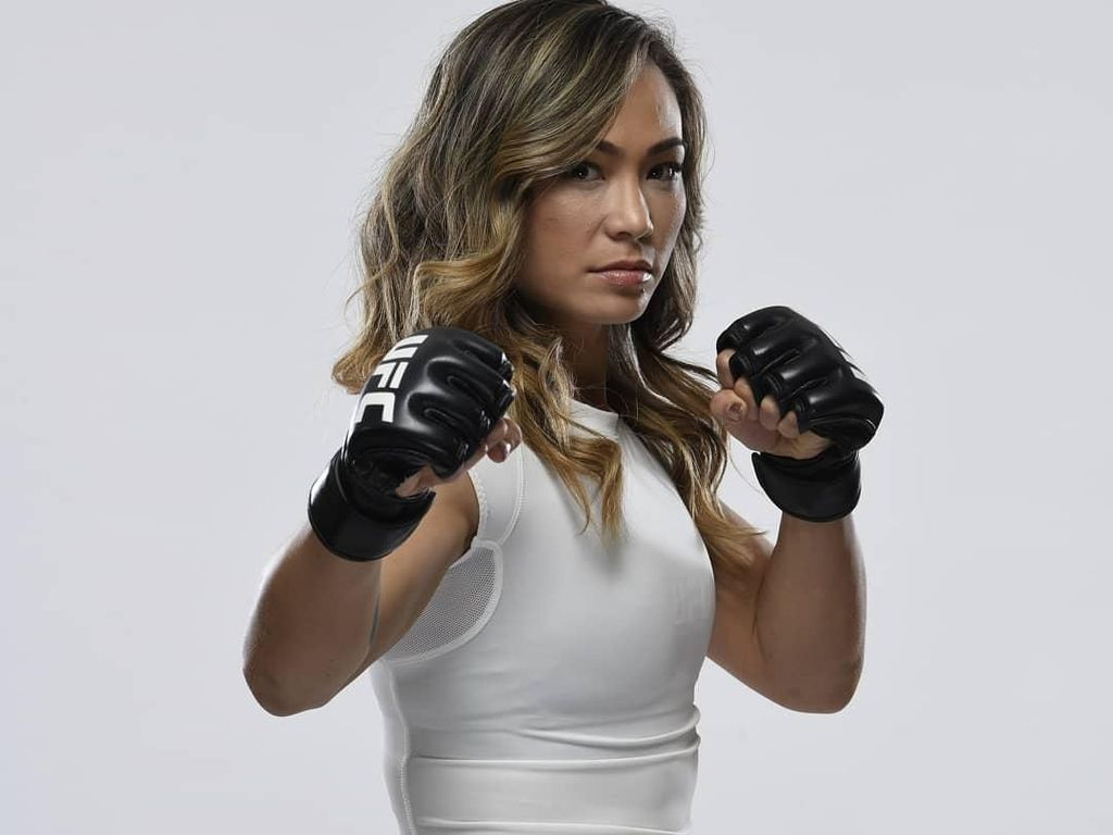 Foto: Intip Liburannya Pegulat Cantik UFC, Michelle Waterson