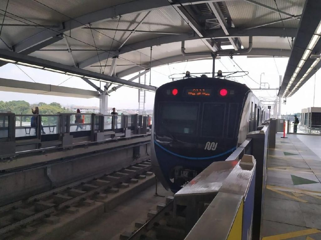 Seberapa Ngebut Sinyal Smartfren di MRT Jakarta?