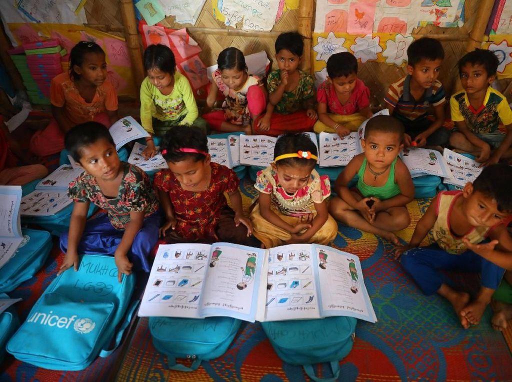 Semangat Anak-anak Rohingya Belajar di Pengungsian
