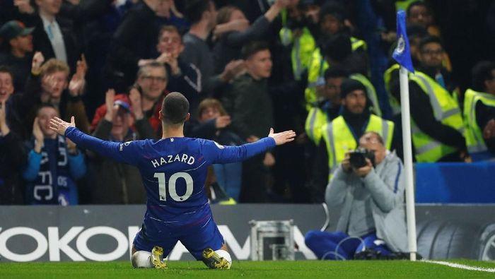 Eden Hazard mencetak salah satu gol terbaik di Liga Inggris musim ini (REUTERS/Eddie Keogh)