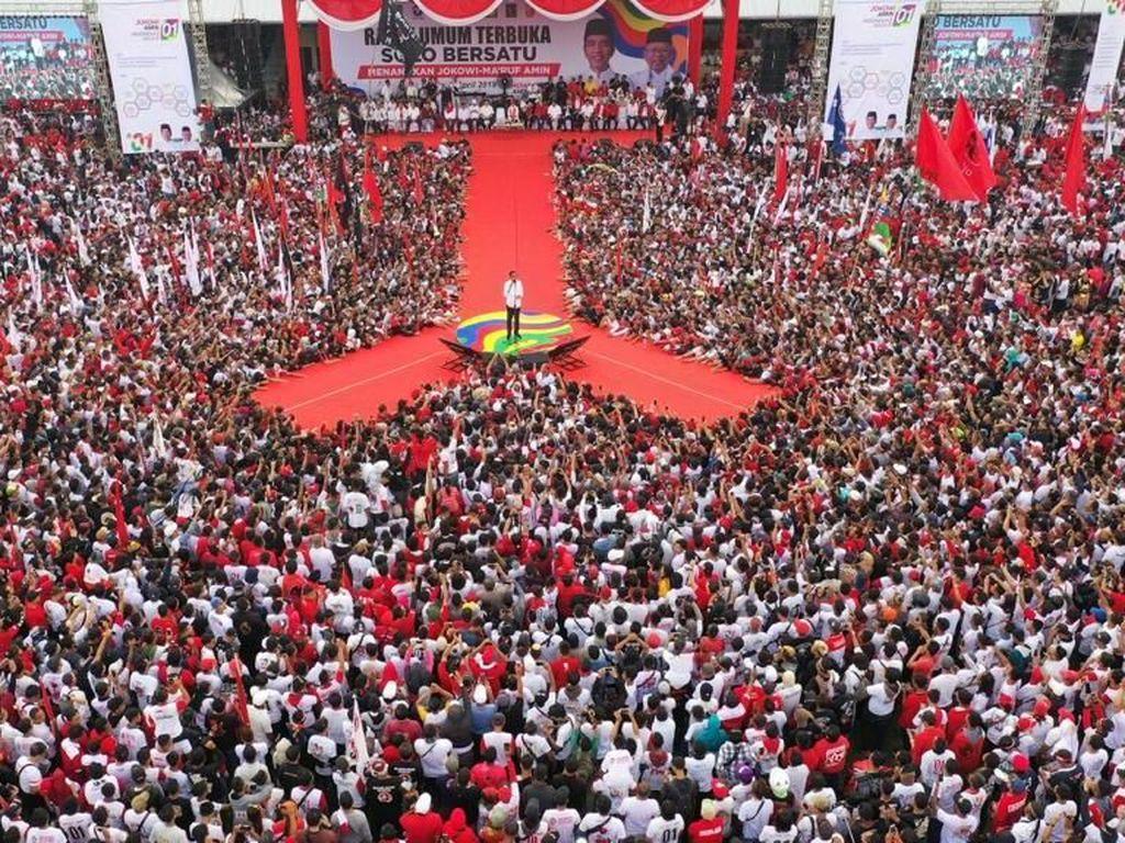 Di Solo, Jokowi Cerita Diambil Megawati ke Jakarta