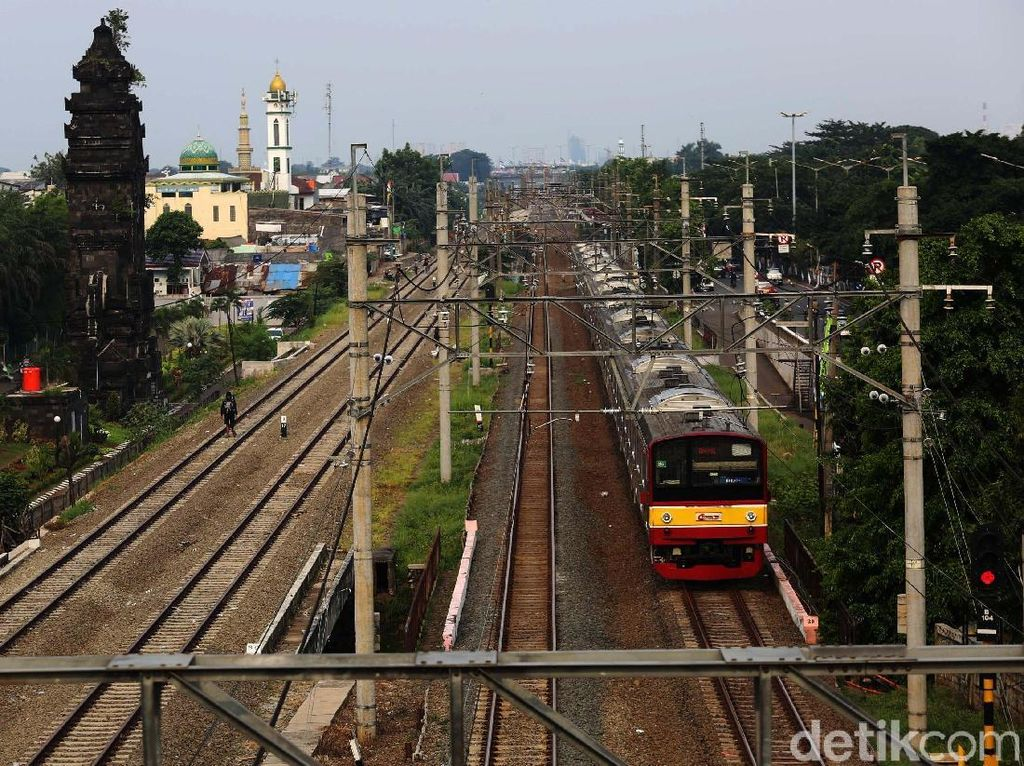 Jadwal Perjalanan KRL Terganggu saat Operasi Perdana Jalur DDT