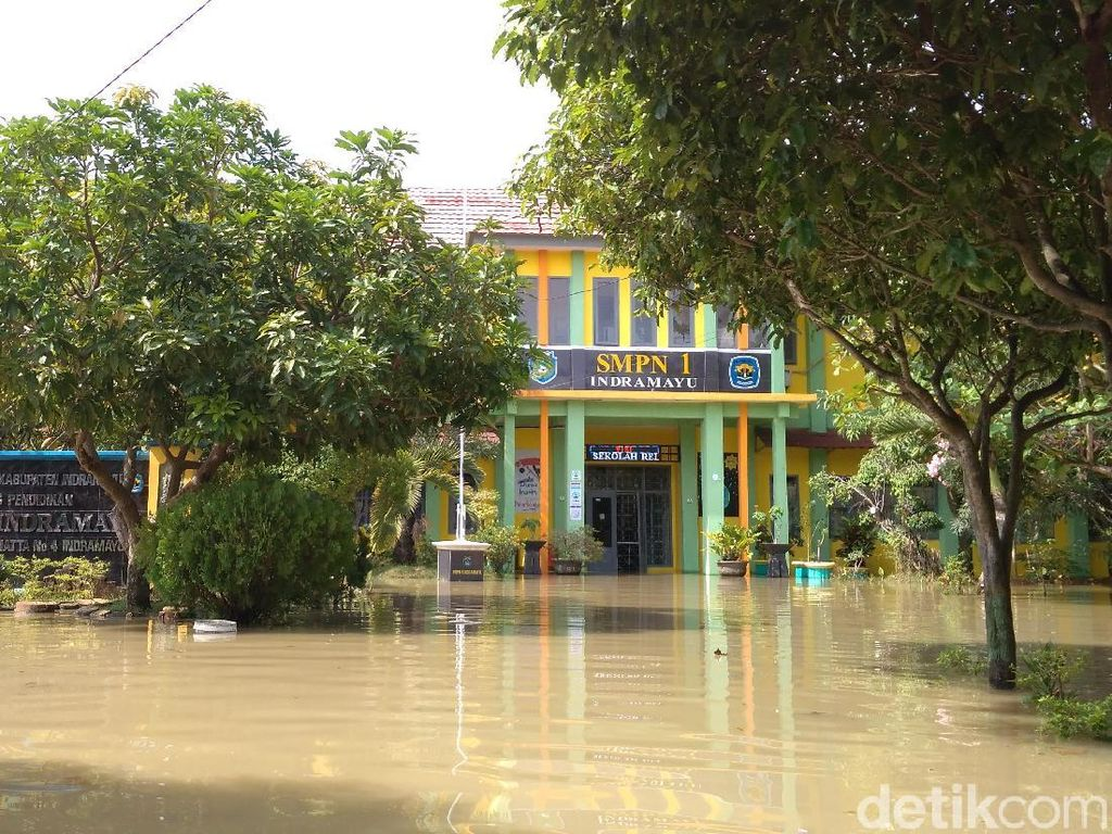 Sekolah Kebanjiran, Ujian Nasional di SMPN 1 Indramayu Ditunda