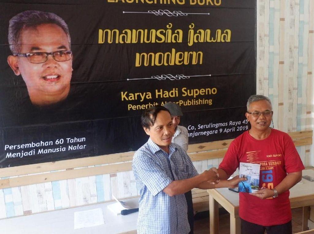 Buku Manusia Jawa Modern Rilis, Penulis: Orang Jawa Munafik dan Pendendam