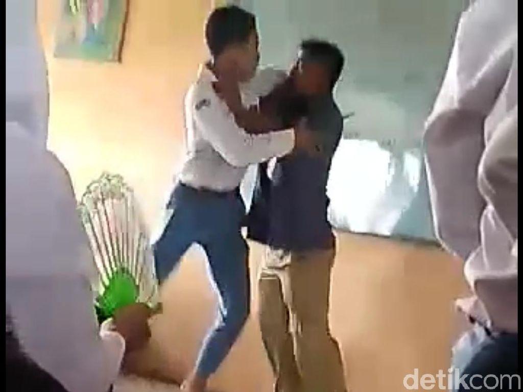 Heboh Video Guru Banting Siswa di Bojonegoro yang Berujung Skorsing