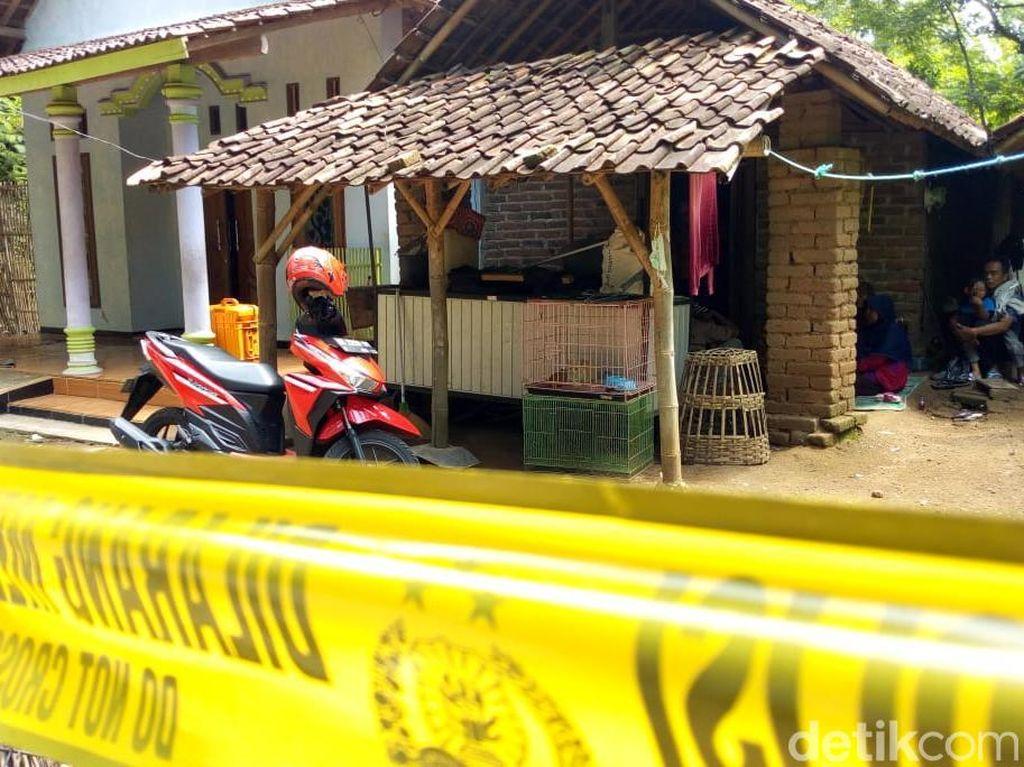 Perempuan yang Tewas Bersimbah Darah di Ponorogo Diduga Bunuh Diri