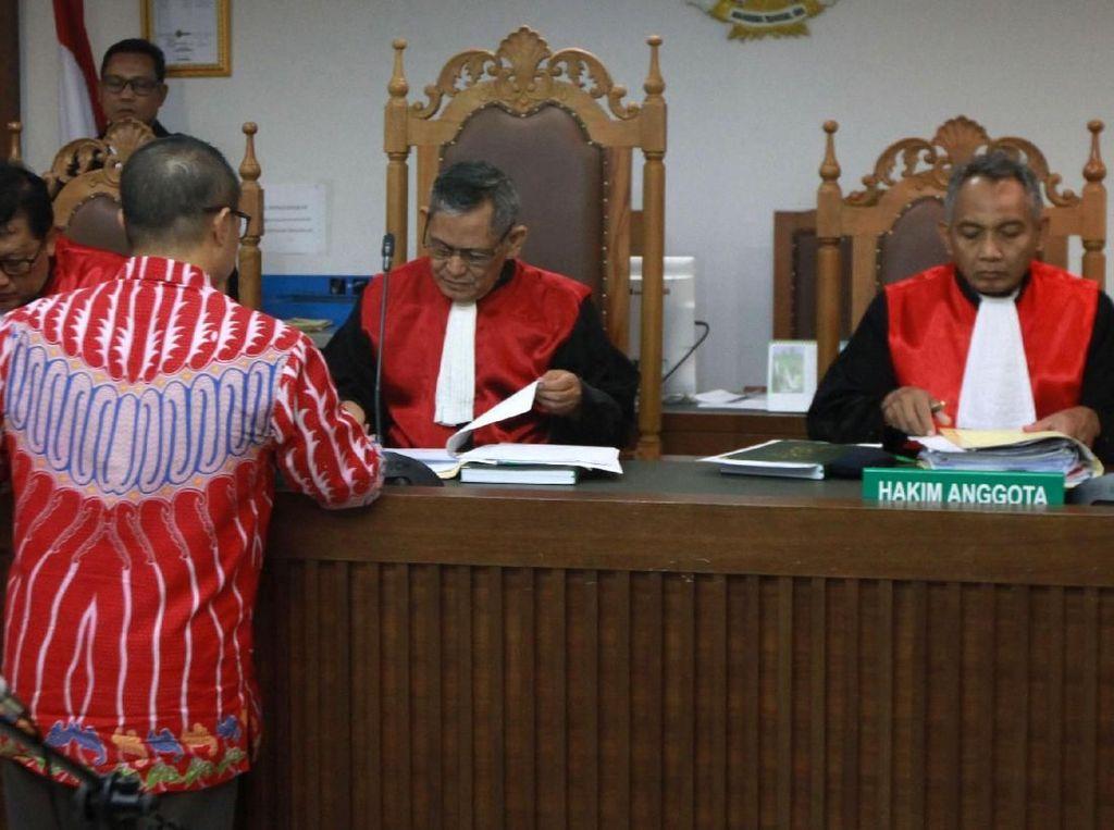 Sidang Perdana Gugatan Nasabah J-Trust