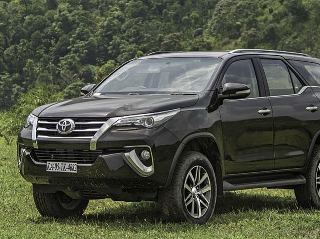 Jangan Heran Lihat Harga Mobil di Singapura, Toyota Fortuner Tembus Rp 2 Miliar!