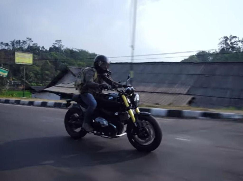 Touring Pake Moge dari Bandung ke Jakarta, Ariel Noah Nyasar