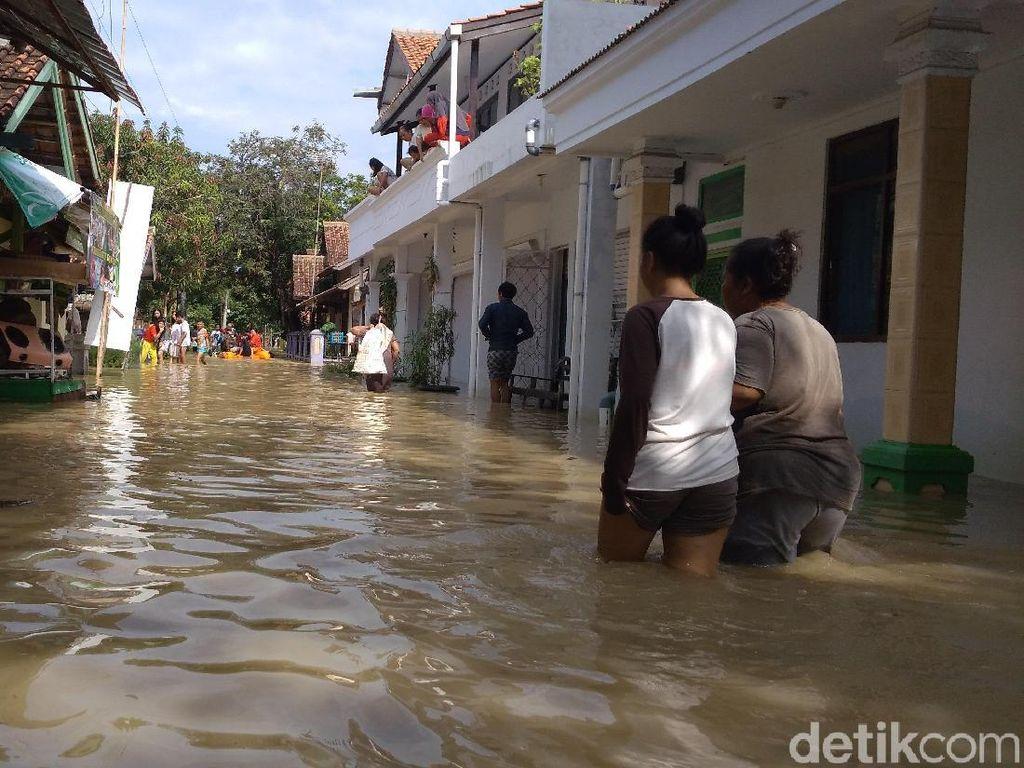 Banjir di Indramayu, Bupati Protes ke Pengelola Bendung Rentang