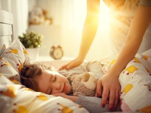 Image result for Biarkan sinar matahari masuk sebelum membangunkan anak