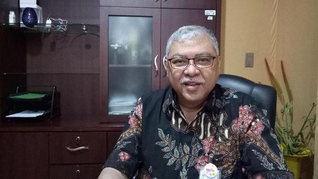 Mengenal Ali Sungkar, Dokter yang Viral karena Video Gendong Bayi