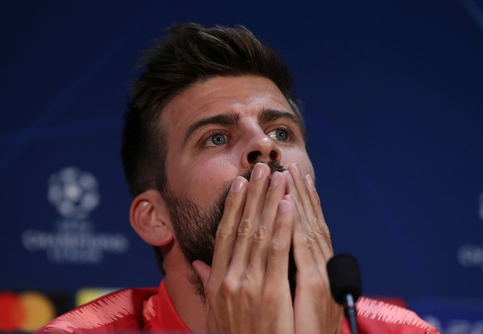 Soccer Football - Champions League - FC Barcelona Press Conference - Old Trafford, Manchester, Britain - April 9, 2019   Barcelonas Gerard Pique during the press conference   Action Images via Reuters/Lee Smith