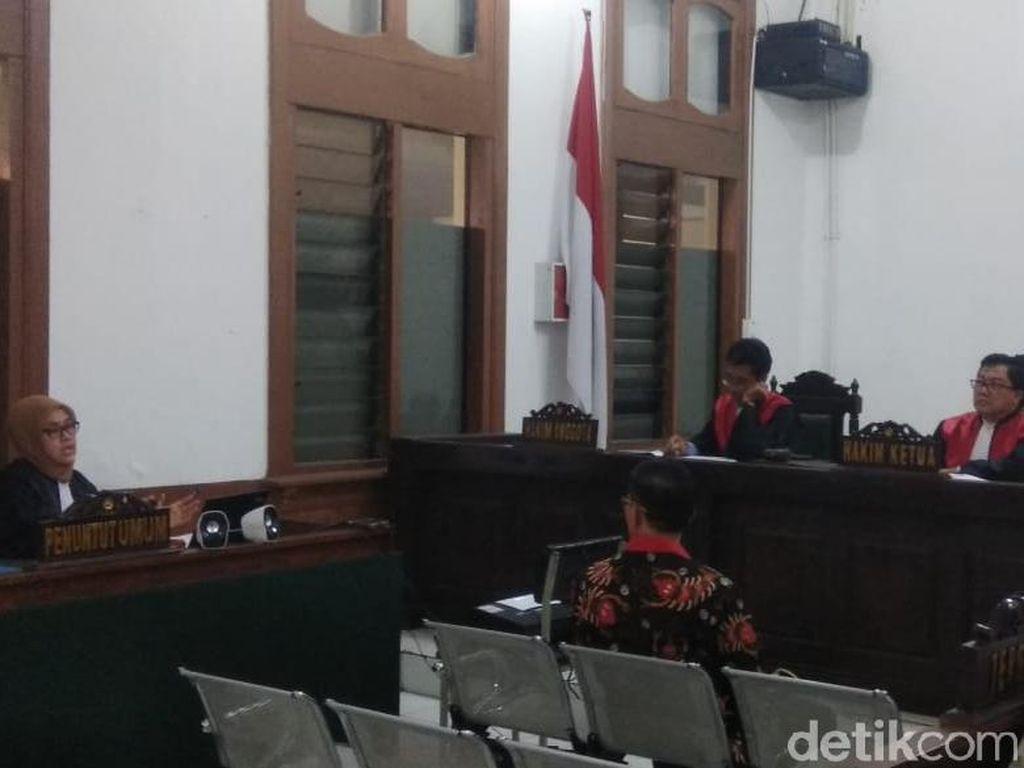 Jaksa KPK Tuntut Hak Politik Bupati Cirebon Nonaktif Dicabut