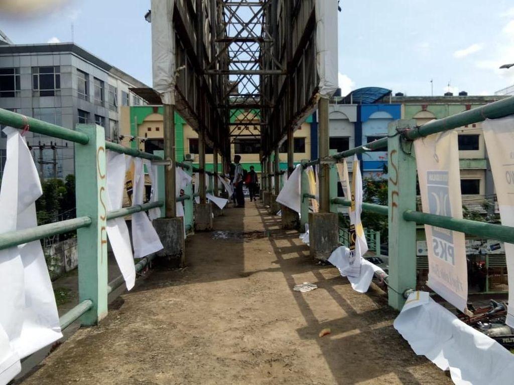 JPO di Palembang Dipenuhi Spanduk Caleg, Pemkot: Kami Tertibkan!