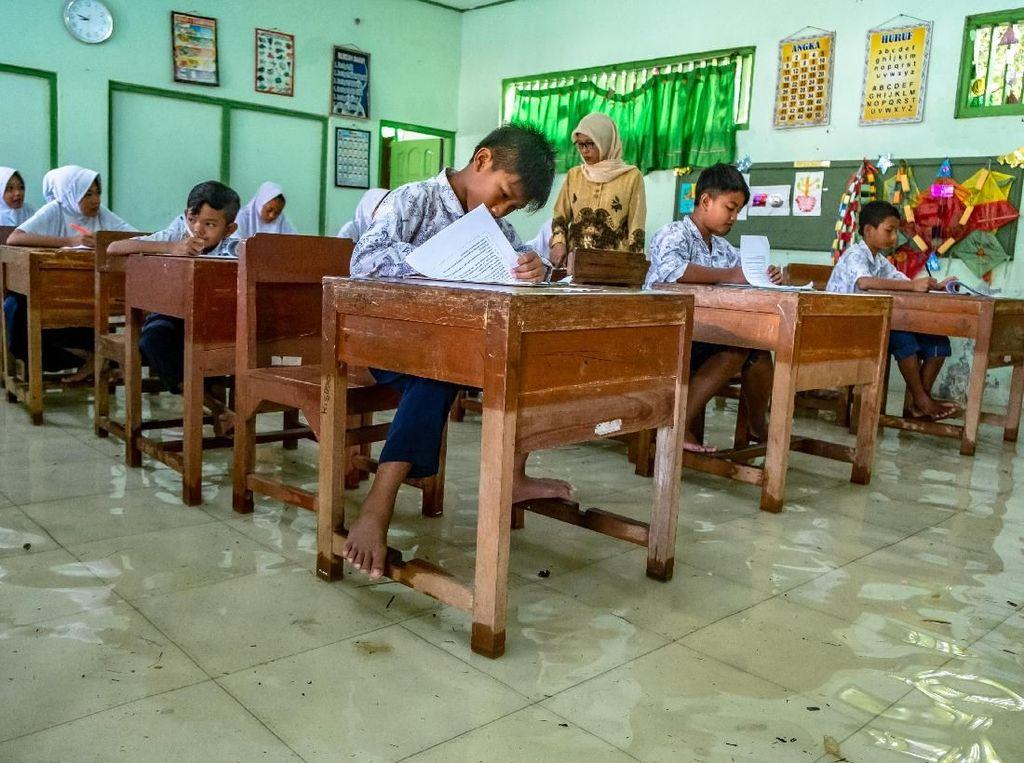Bupati Berhentikan Sementara 992 Guru Nonsarjana, Simalungun Kurang Guru