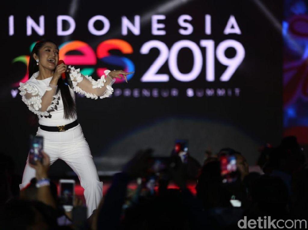 Siti Badriah Tutup Jakarta YES 2019 dengan Lagi Syantik