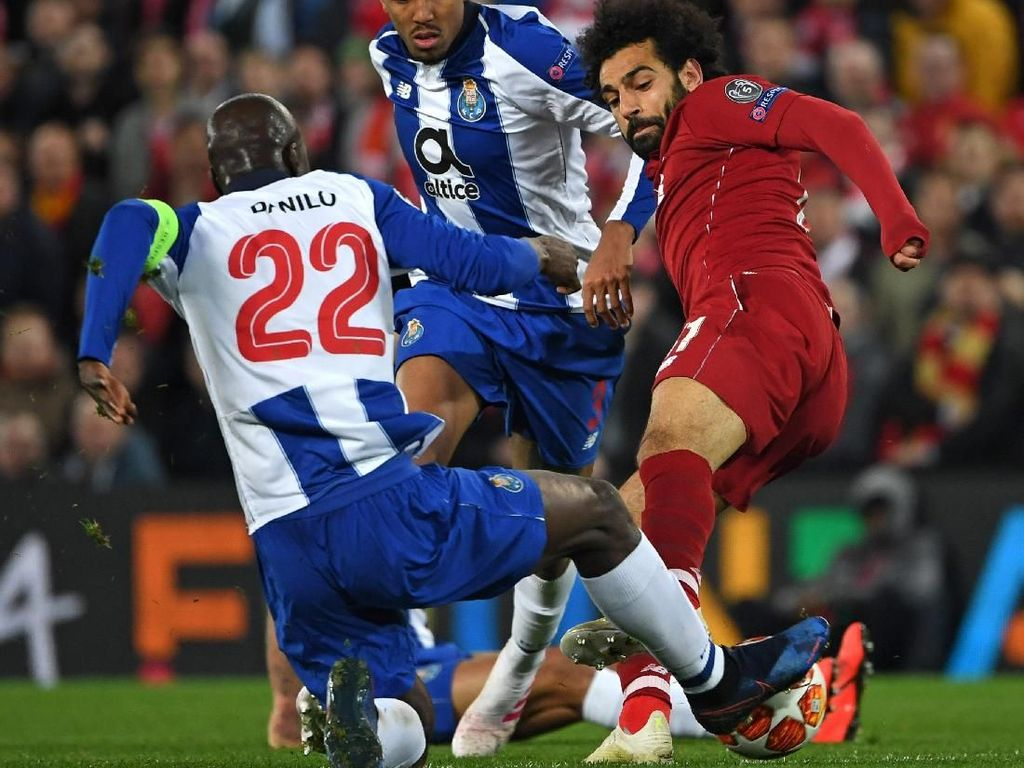 Tekel Horor ke Pemain Porto, Salah Harusnya Dikartu Merah