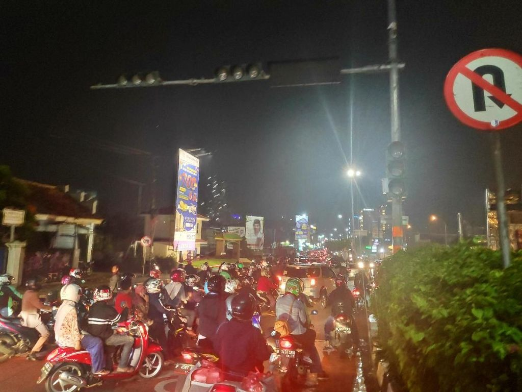 APIL di Simpang Juanda-Margonda Depok Mati Lagi, Polisi Turun ke Jalan