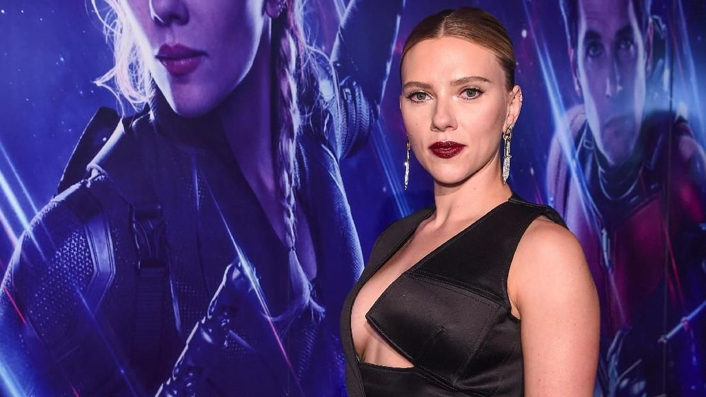 Scarlett Johansson, Conchita Caroline, Emilia Clarke hingga Jessica Iskandar