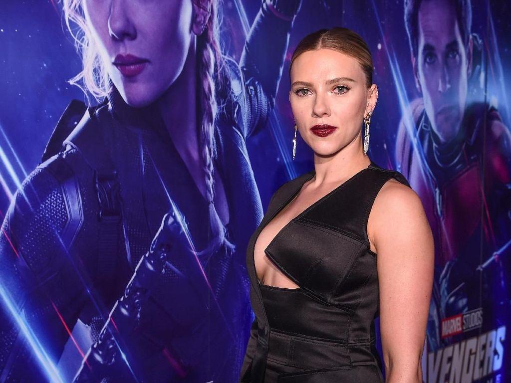 Scarlett Johansson Siap Jadi Siapa Saja, dari Pohon sampai Binatang