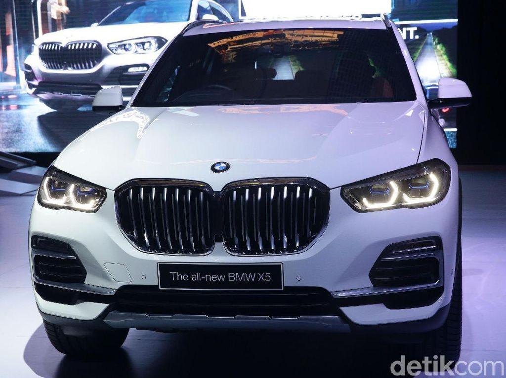BMW X5 Mengaspal di Jakarta