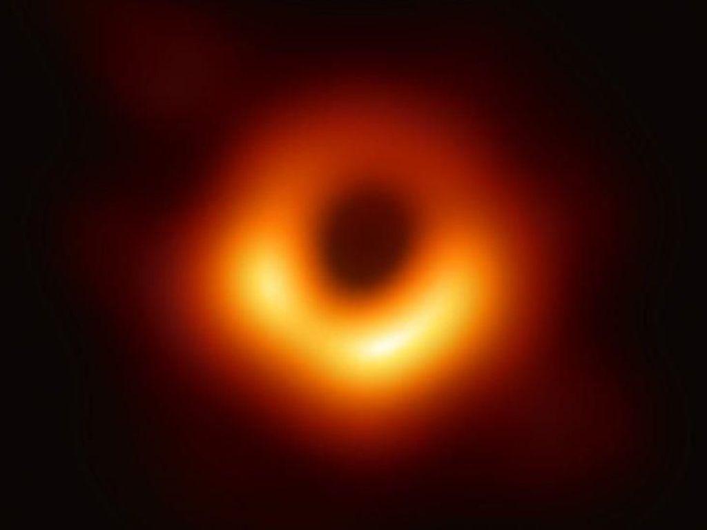 Penemu Wujud Asli Lubang Hitam Diganjar Rp 42,4 Miliar