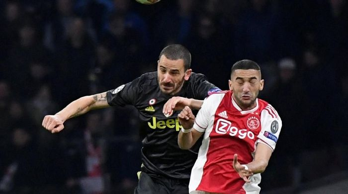 Lini belakang Juventus akan dapat ujian saat menghadapi Ajax Amsterdam yang ganas di laga tandang (Reuters)