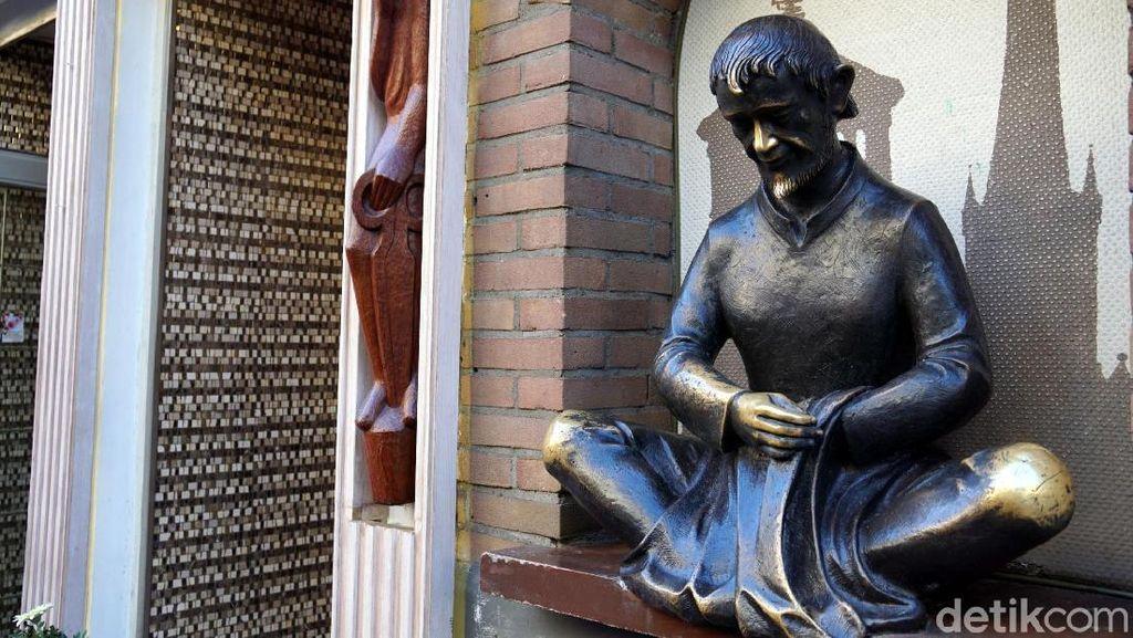 Foto: Patung Pembawa Keberuntungan di Jerman