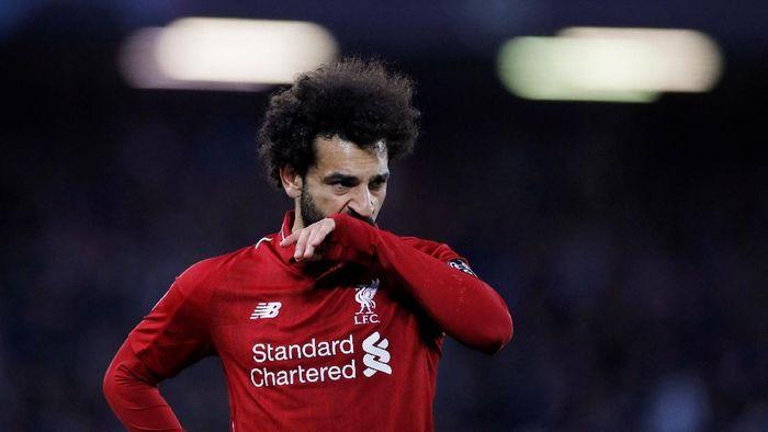 Mohamed Salah kesulitan menunaikan salat Id. (Foto: Phil Noble/Reuters)