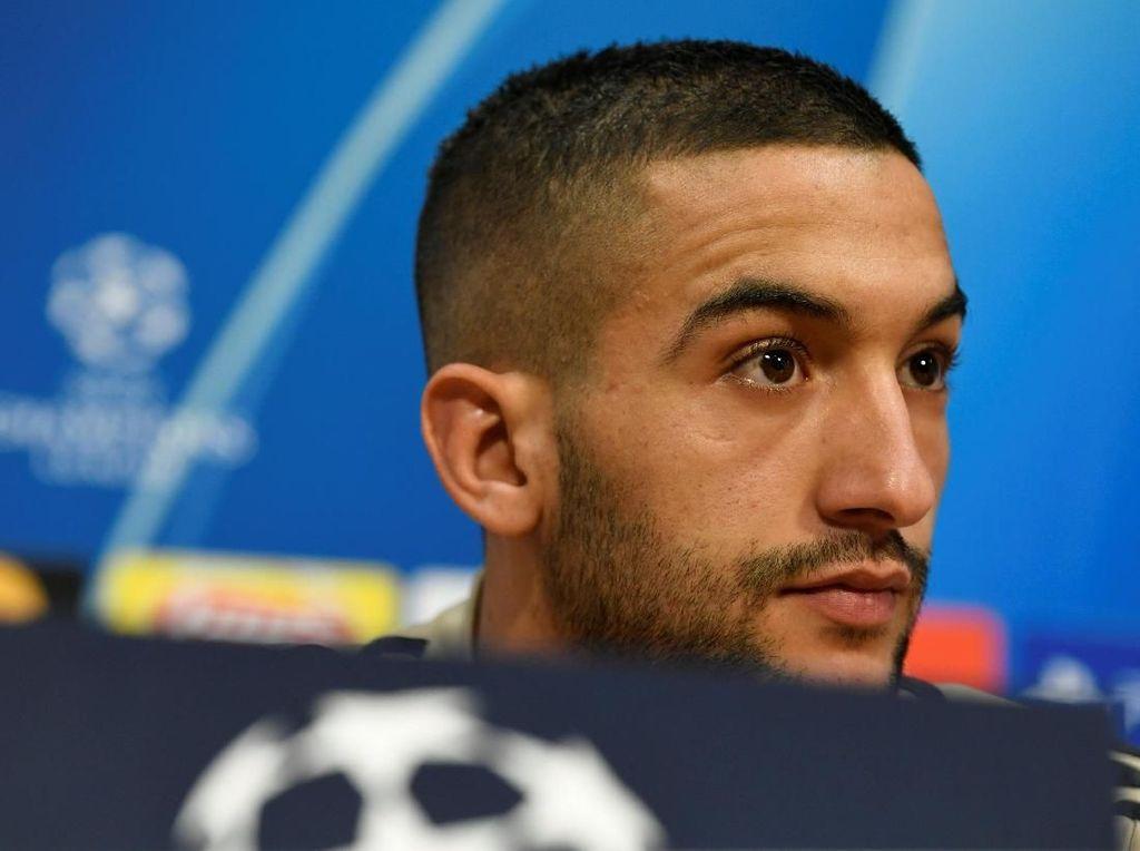 Overmars kepada Arsenal: Jual Oezil, Rekrut Ziyech
