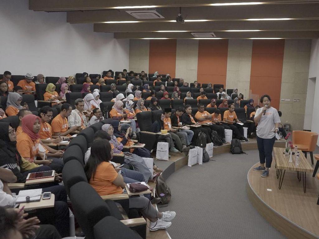 Semen Indonesia Ajak Generasi Muda Membangun Kebaikan